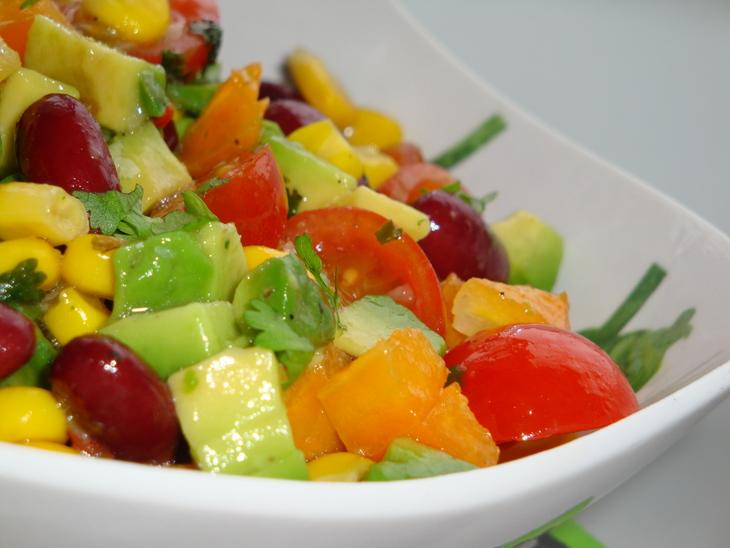 меню диеты для треугольника день 2, салат с авокадо