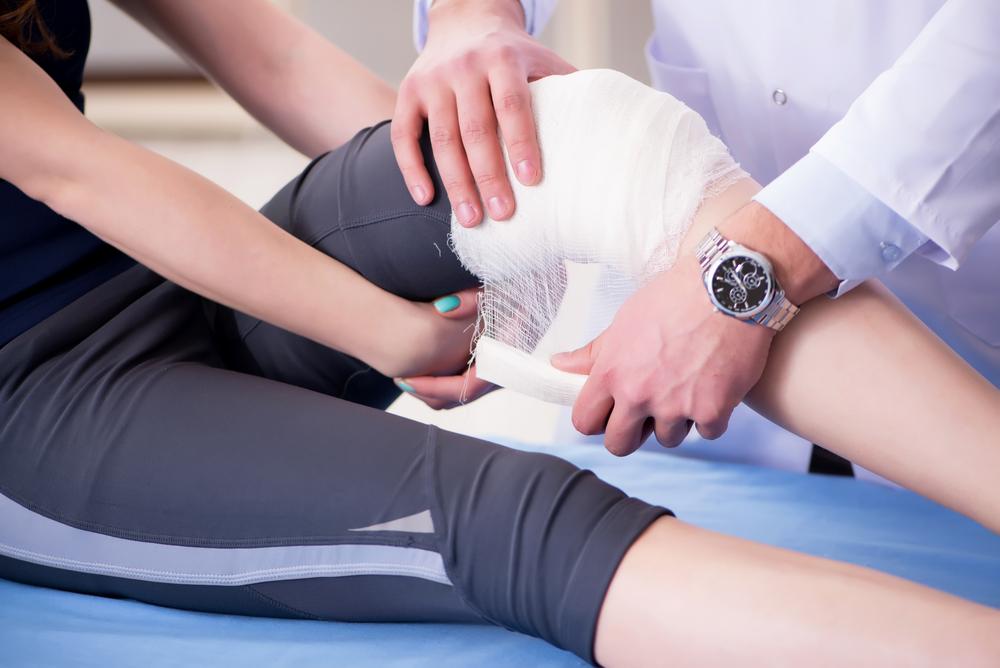 При сильной боли или кровотичении при порезах обратитесь к врачу