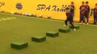Тренировка детей в Барселоне